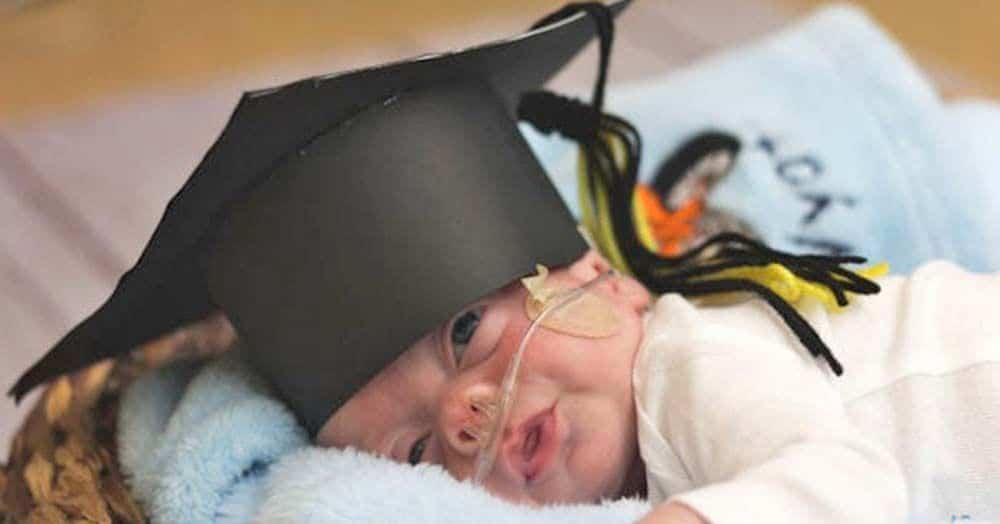 Un hospital 'gradúa' a los bebes prematuros que reciben el alta