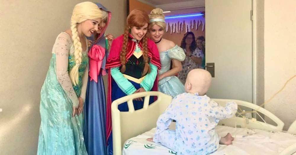 Las princesas Disney visitan el Hospital Materno Infantil de Málaga |