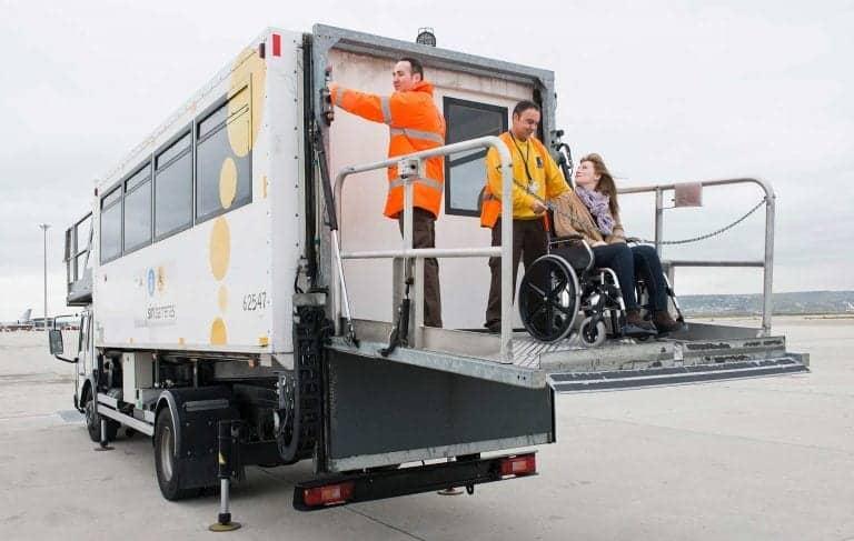 Camión de servicio de asistencia PMR | Clece