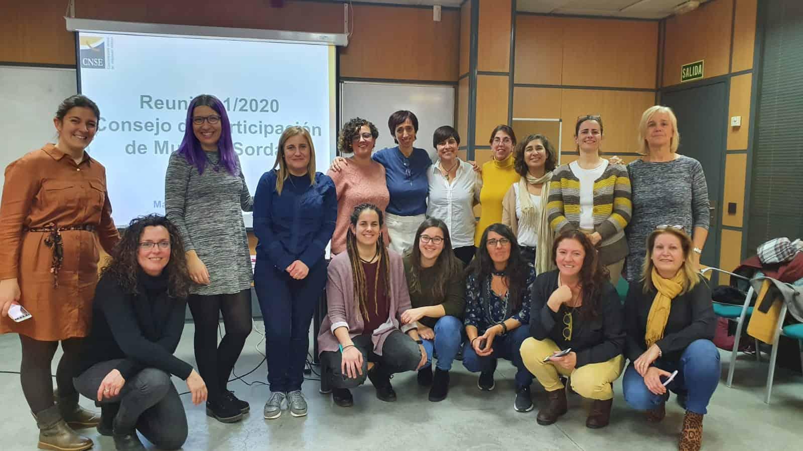 Foto grupal de mujeres sordas