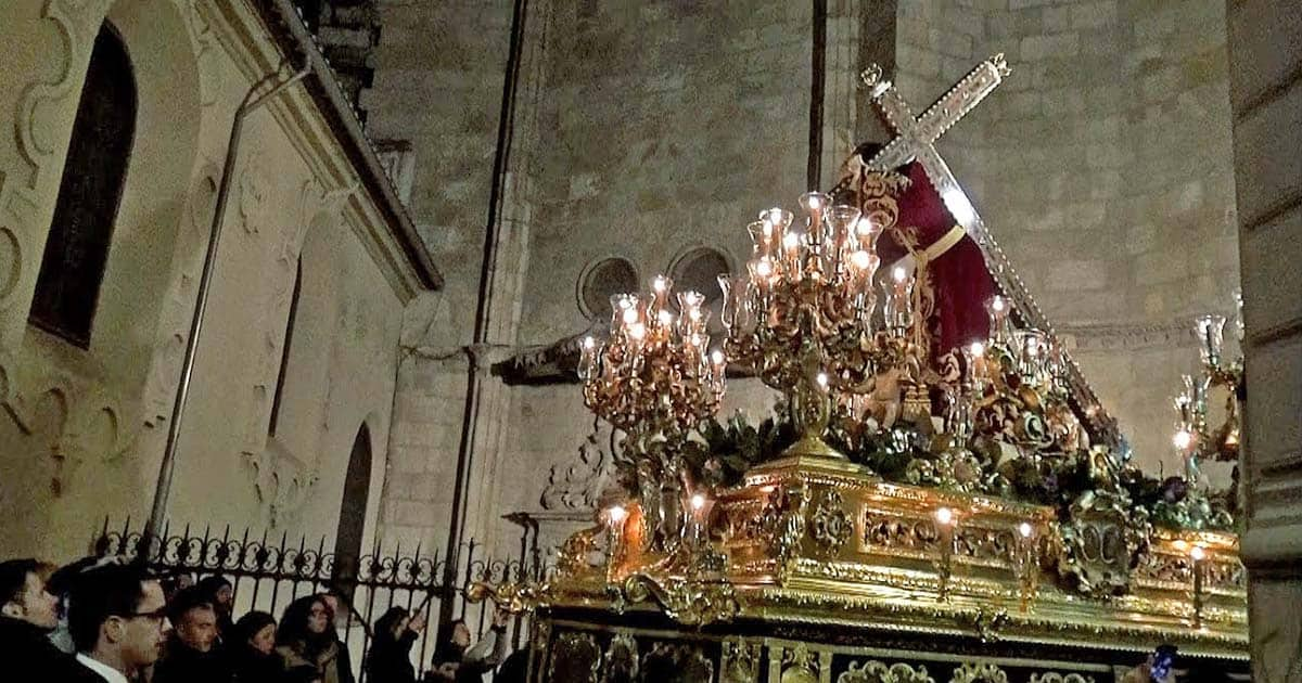 Cristo de la Amargura, Hermandad del Santo Entierro