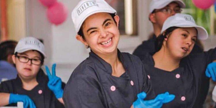 Trabajadoras con síndrome de Down de Diverso Café
