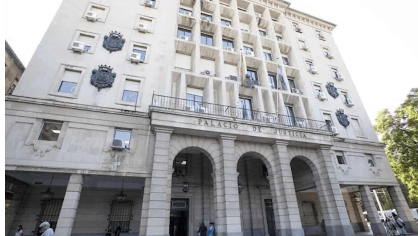 Fachada de la Audiencia Provincial de Sevilla