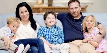Familia del niño con enfermedad rara NGKY1