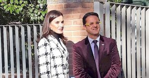 La Reina Letizia y el presidente de FEDER, Juan Carrión