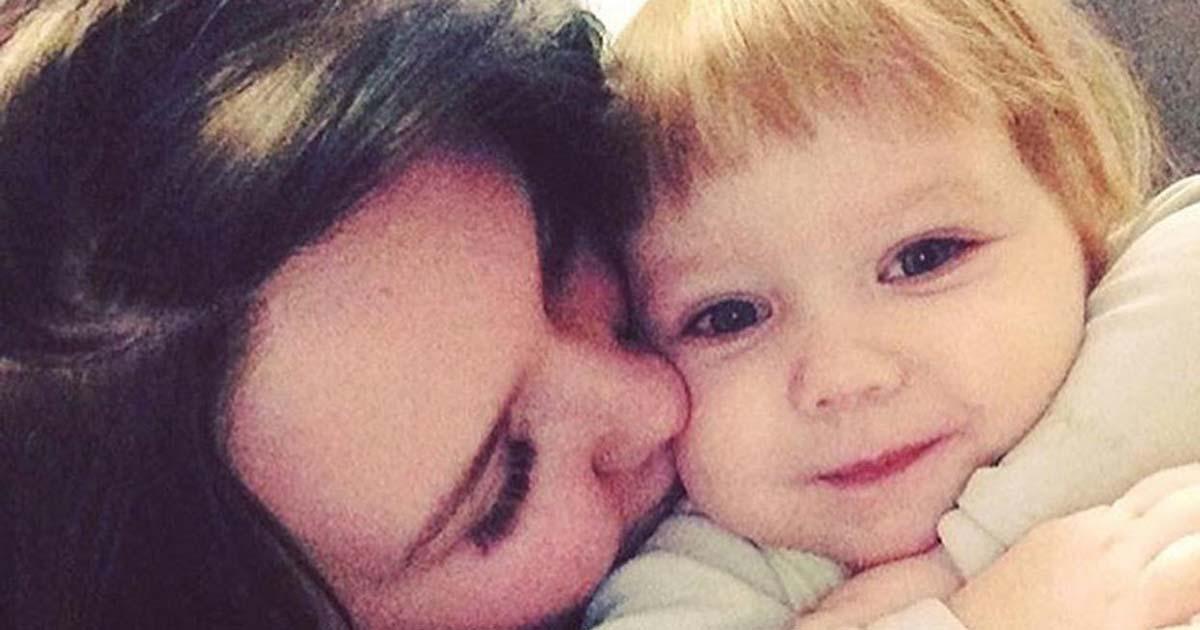 Muere de hambre una niña de 3 años tras ser abandonada en su casa