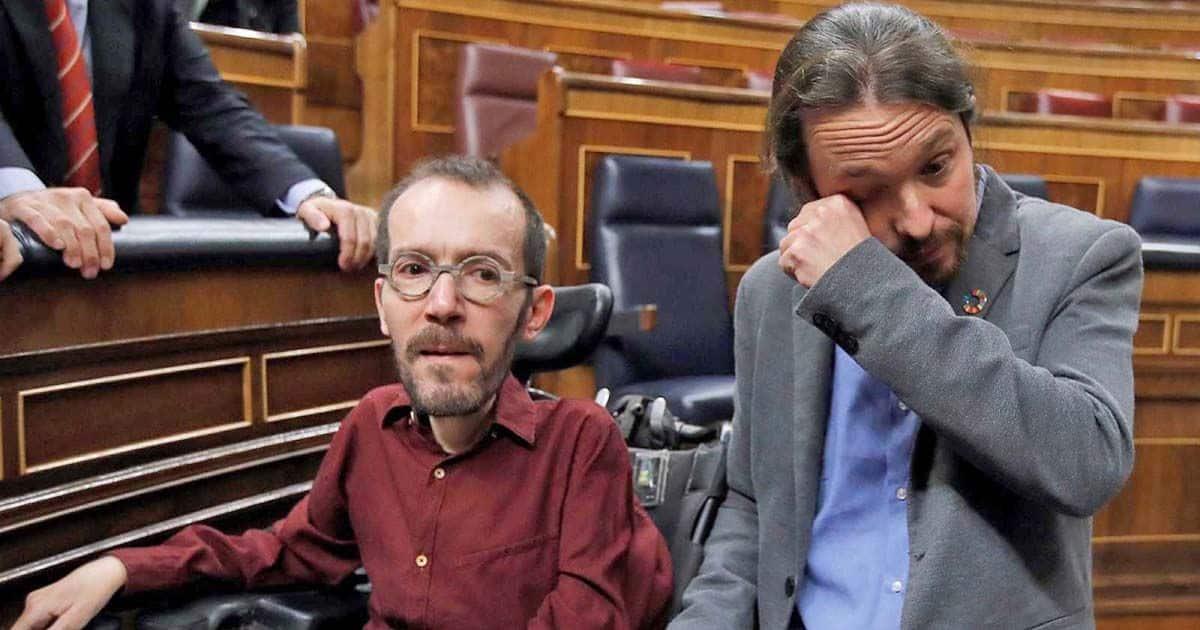 Pablo Echenique y Pablo Iglesias en el Congreso