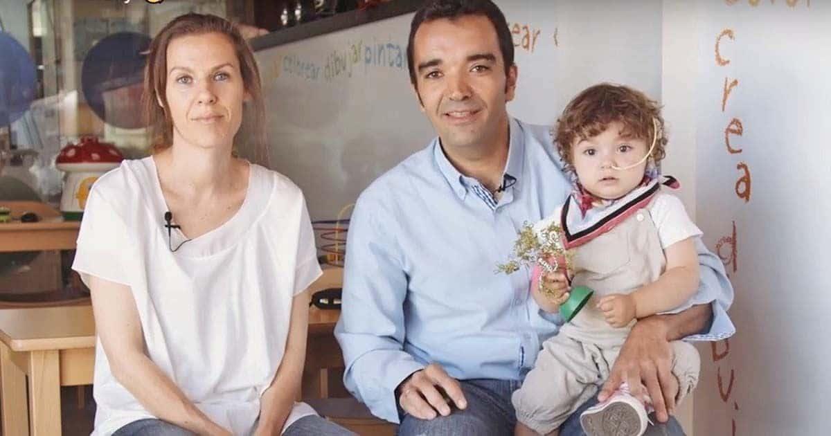 Una de las familias acogidas por la Fundación Infantil Ronald McDonald en sus casas