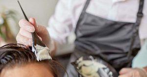 Reconocen la incapacidad permanente total para una peluquera por culpa de los tintes