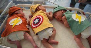 Bebés disfrazados de superhéroes
