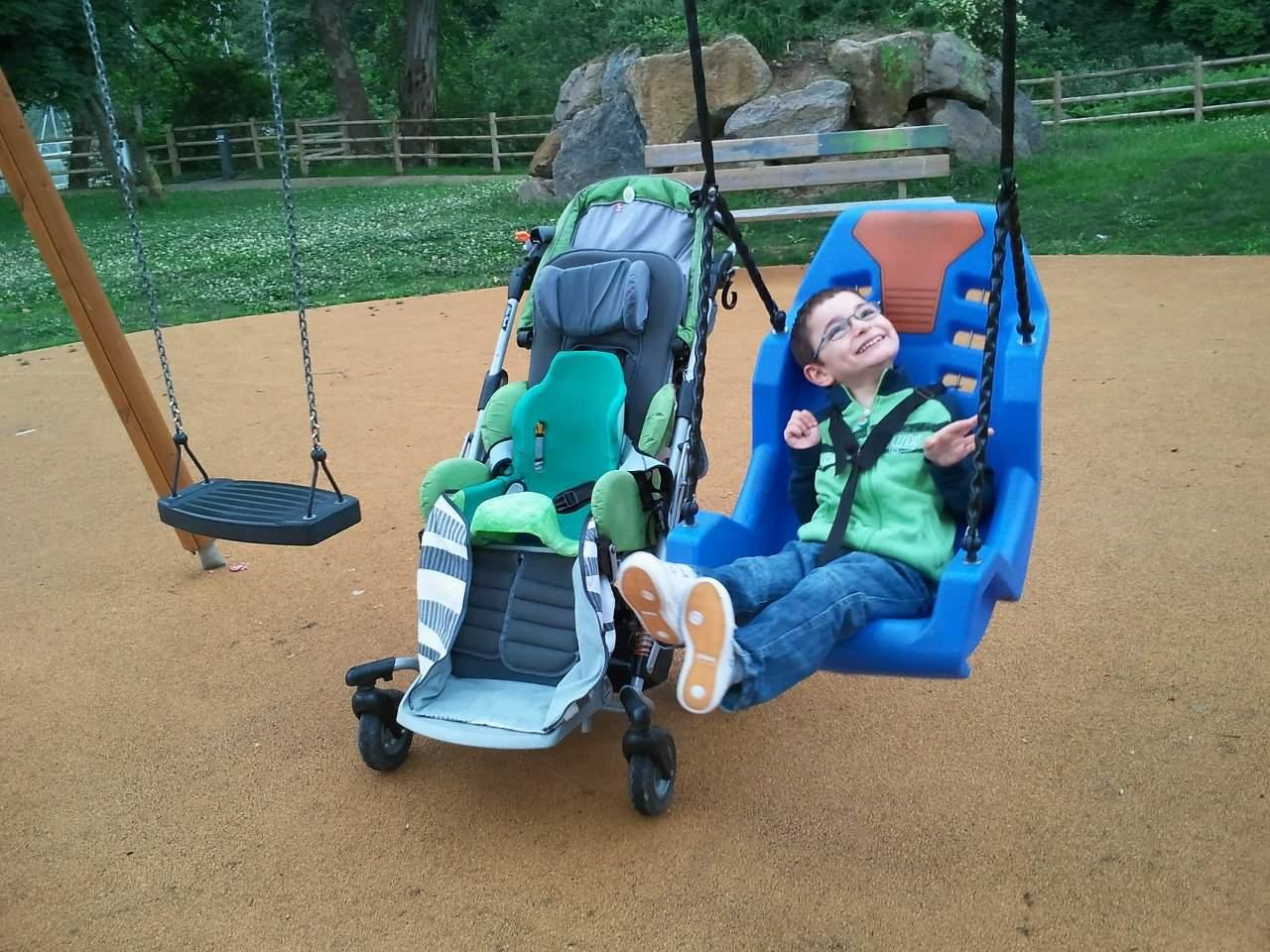 Niño con daño cerebral - discapacidad