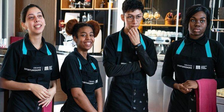 Cuatro cocineros del programa 'Creamos oportunidades'