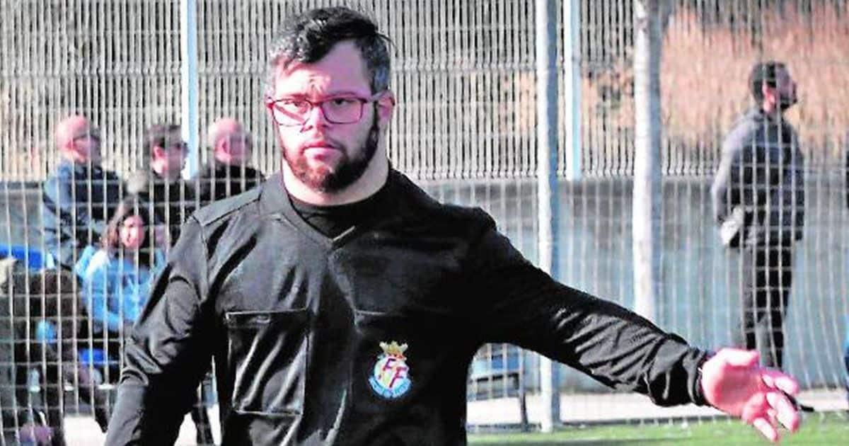 Daniel, primer árbitro español con síndrome de Down.