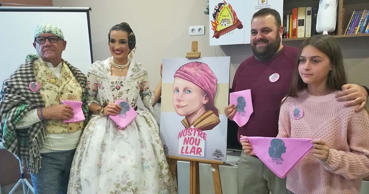 Una niña que superó un tratamiento oncológico, protagonista de una falla