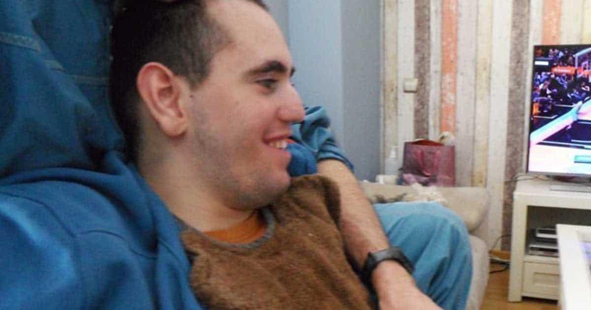 Luis, joven con parálisis cerebral