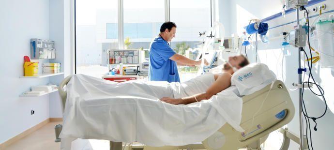 Imagen de una habitación de UCI de uno de los cuatro hospitales que el Grupo IMEC