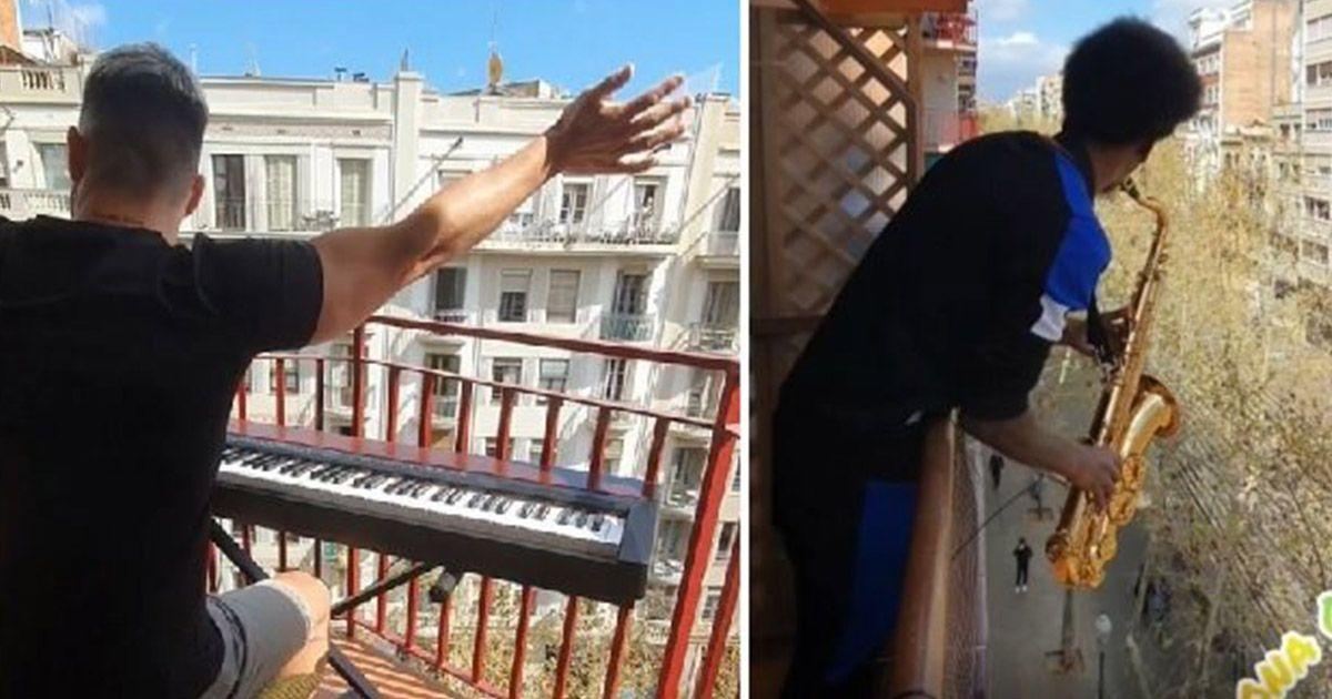 Concierto desde los balcones en Barcelona