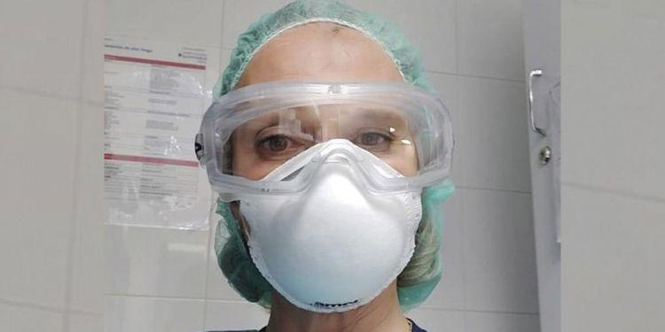 cara con máscara
