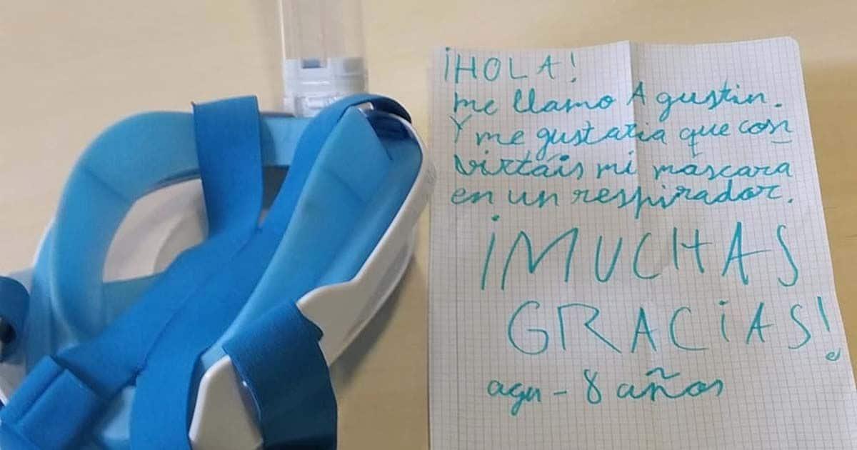 Máscara de buceo de decathlon cedida por Agustín, junto a su carta