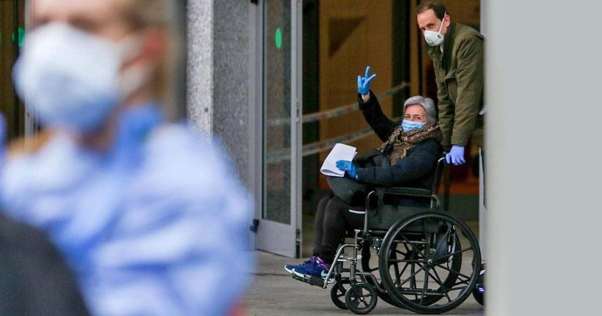 Paciente con coronavirus silla de ruedas en España