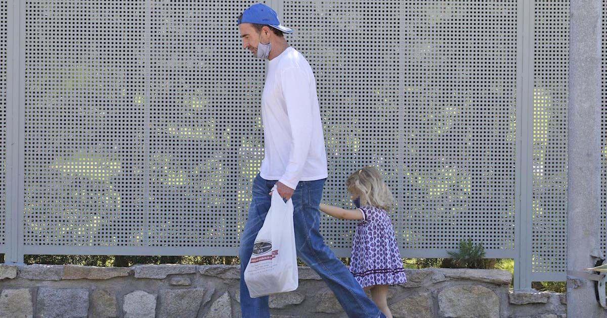 Conde Lequio de paseo junto a su hija