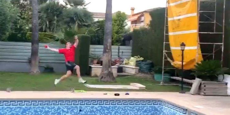 Héctor Cabrera entrenando en casa