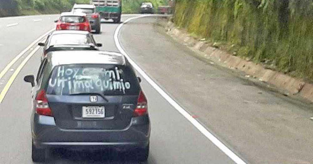 """Mensaje """"Hoy es mi última quimio"""" en el coche"""