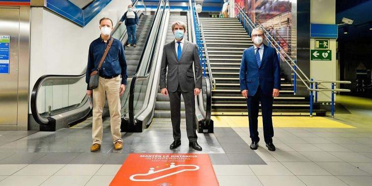 Madrid adaptará a lectura fácil toda la información del Metro