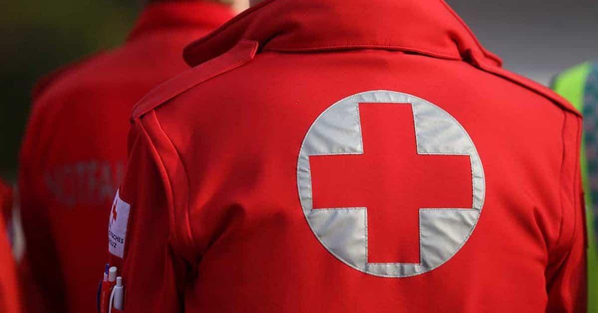 Trabajador de Cruz Roja