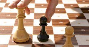 Tablero y fichas ajedrez adaptados para las personas con discapacidad visual