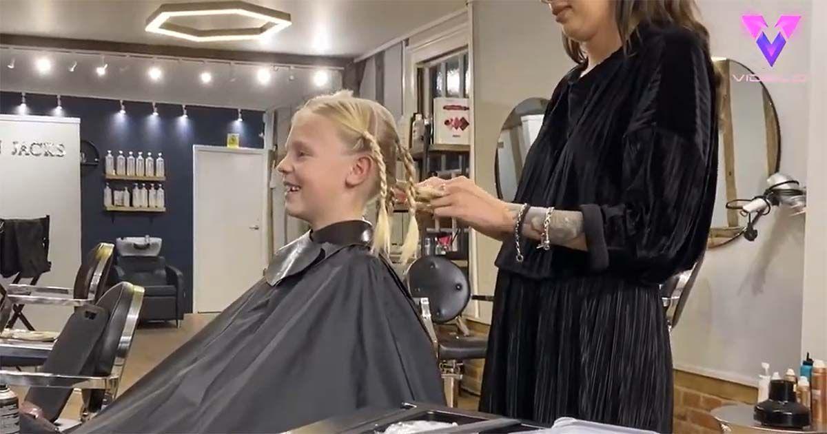Kit Porritt, de nueve años, decidió dejarse crecer el pelo durante 18 meses en secreto