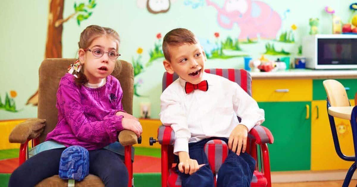 Niños con discapacidad intelectual en un centro de educación especial