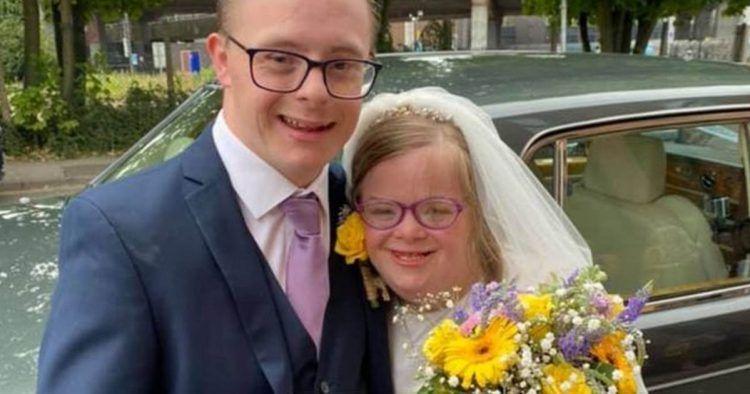 Heidi y James en el día de su boda