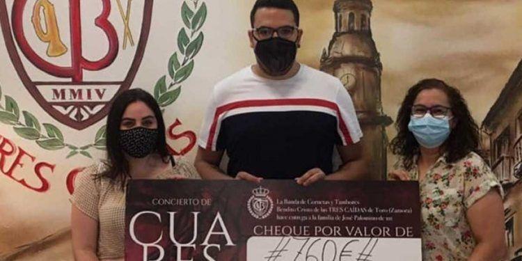 Cheque de la Banda de las Tres Caídas para José Palomino