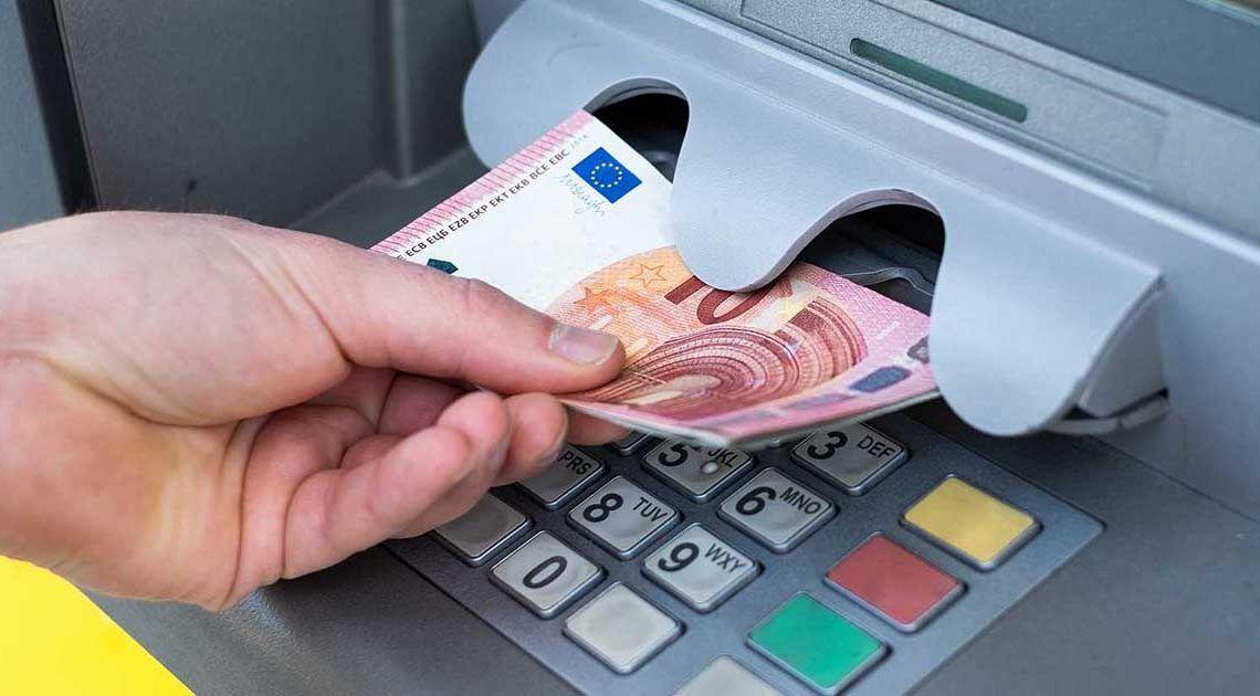 Dinero del cajero pension paro