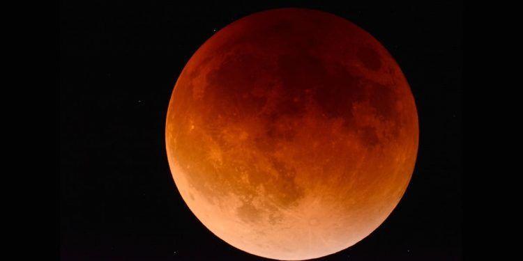 eclipse lunar luna del trueno