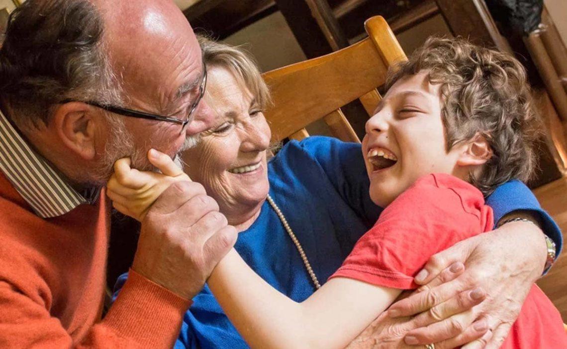 nieto con discapacidad abuelos