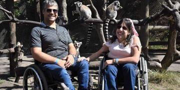 Daiana y Julián, pareja con mielomeningocele | Foto: Facebook