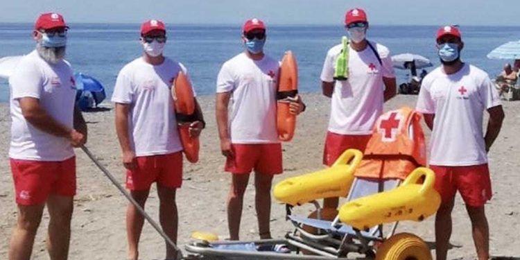 Servicio de baño adaptado en la playa de Motril