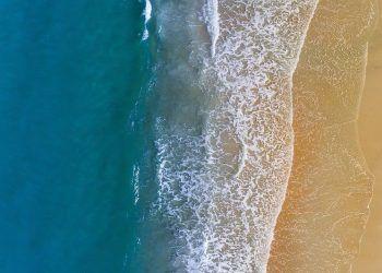 protector solar verano playa piscina