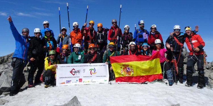 Expedición de personas con discapacidad visual en los Alpes