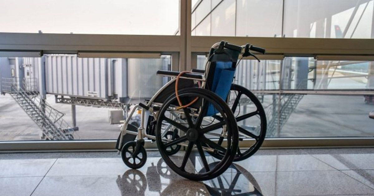 Silla de ruedas en un aeropuerto