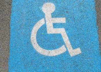 Aparcamiento discapacidad
