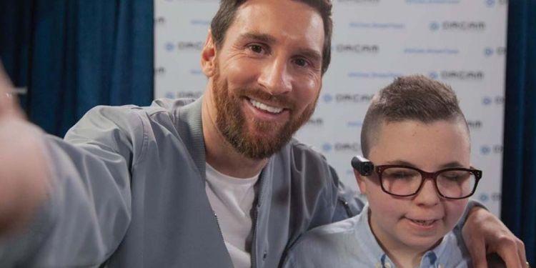 Messi discapacidad visual OrCam