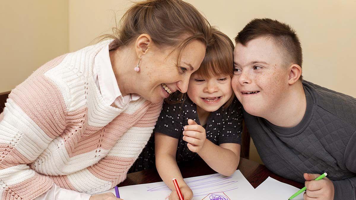 familia niños con síndrome de Down discapacidad