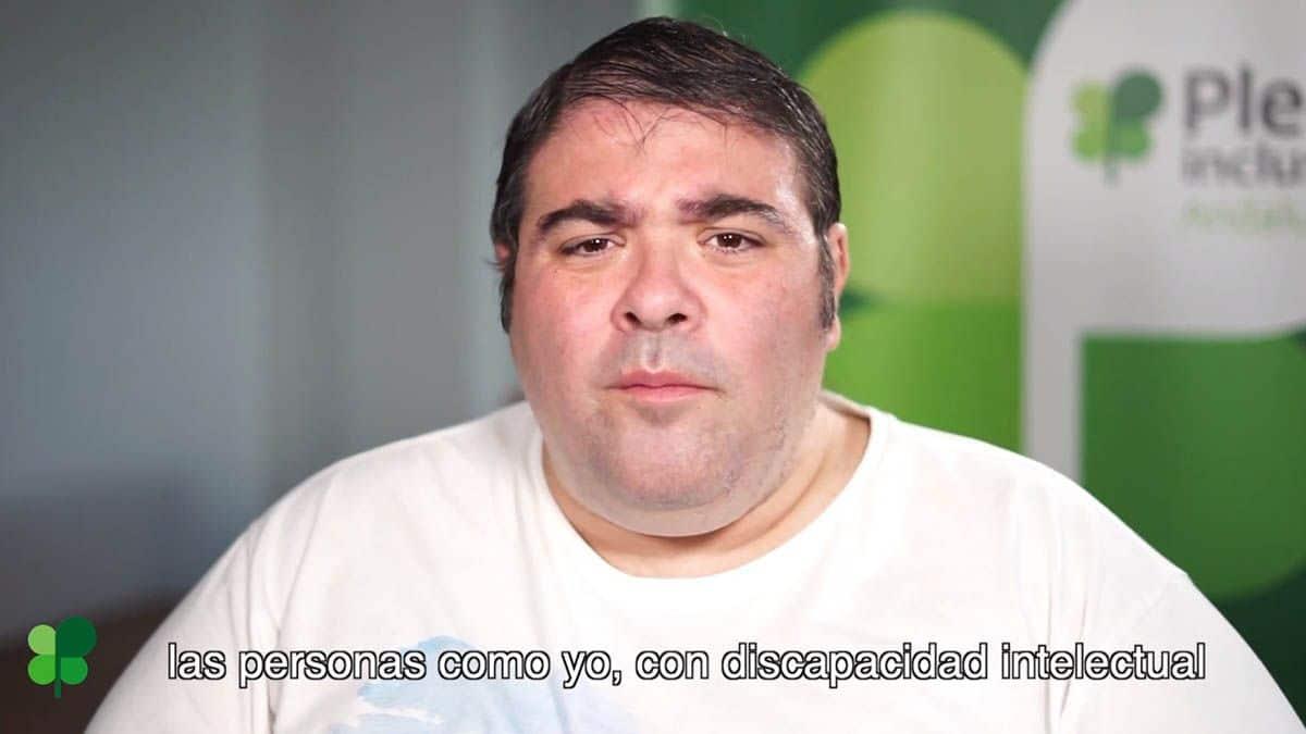 Carlos de la Torre joven con discapacidad