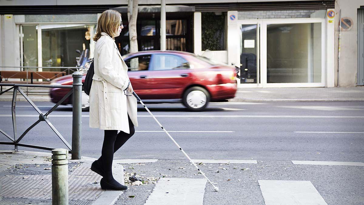 mujer ciega persona ciega