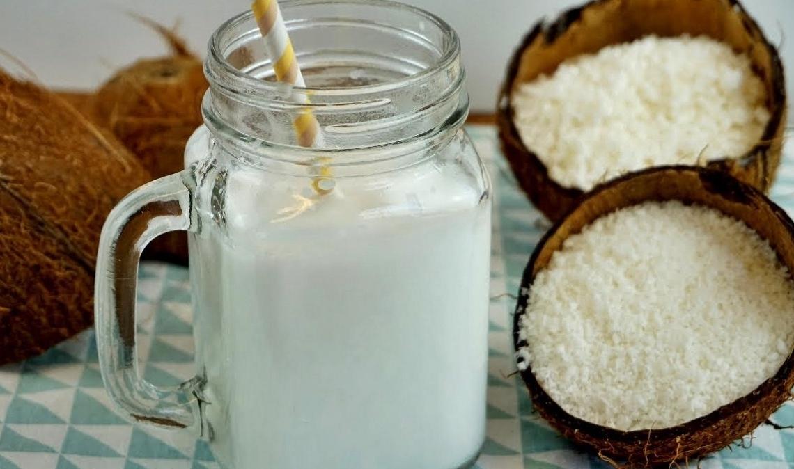 vitamina B5 leche de coco