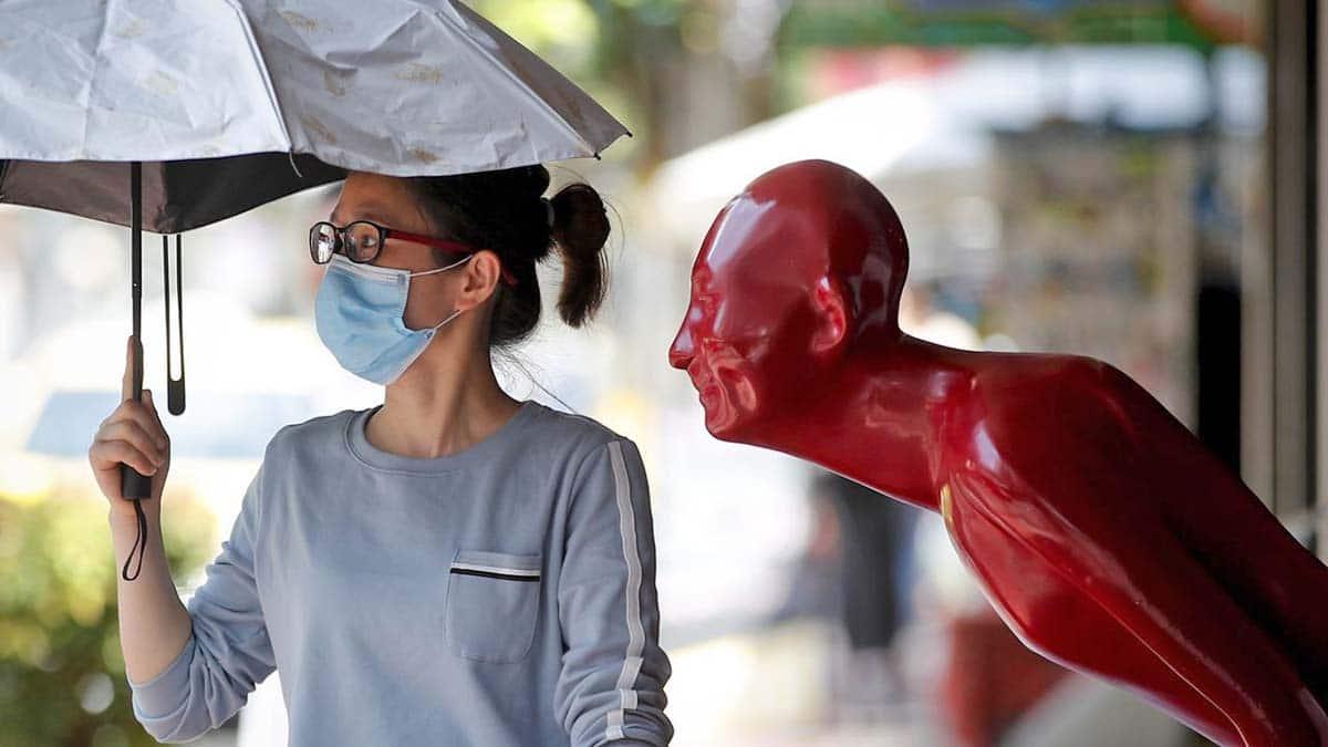Mujer coronavirus pandemia covid-19