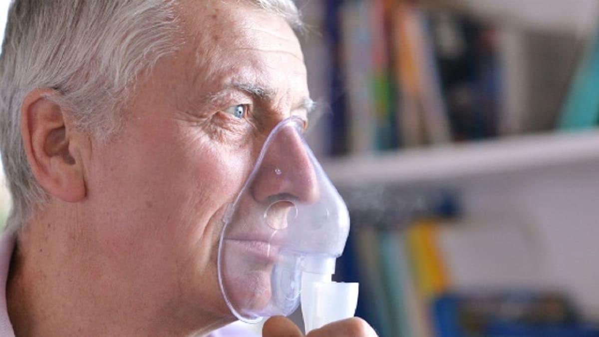 Persona con problemas respiratorios